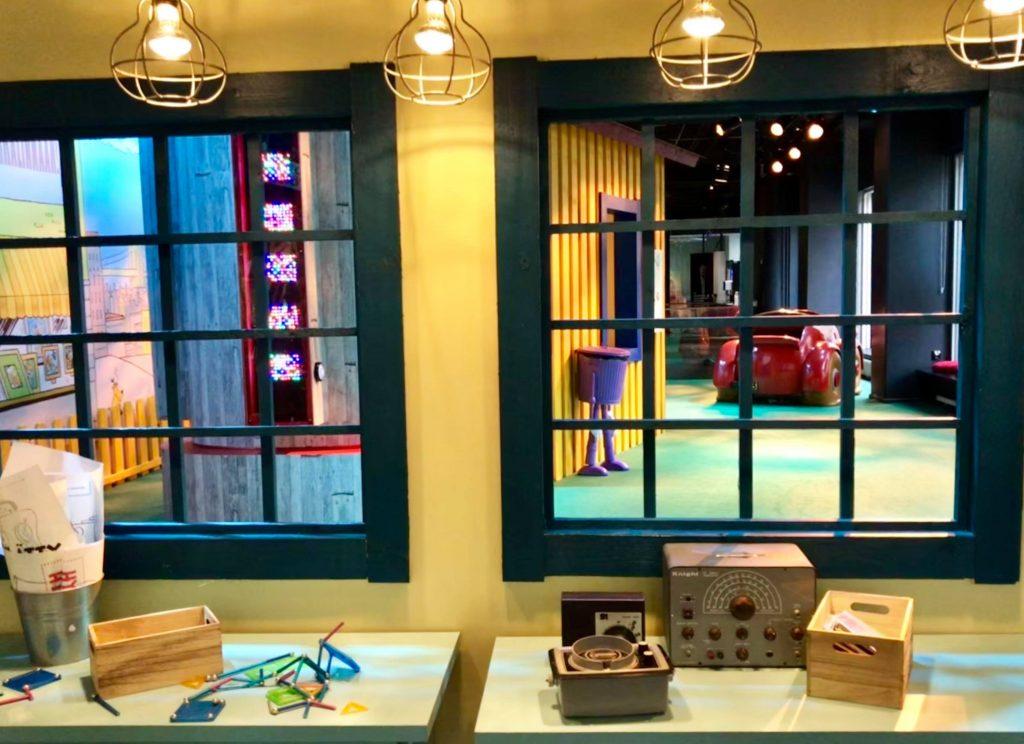 Päivälehdenmuseon Pelle Peloton -näyttelyssä.