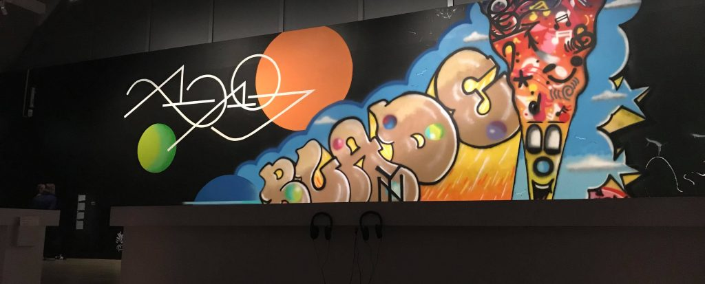 HAM Helsingin Graffiti-näyttelyn taidetta.